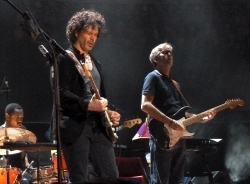 Doyle Bramhall & Eric Clapton RAH 18 May 2013